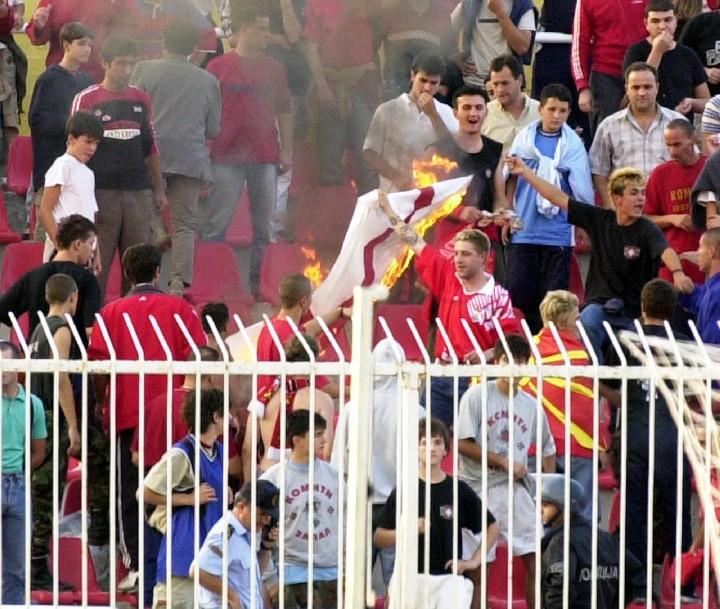 Драка Футбольных Фанатов Скачать